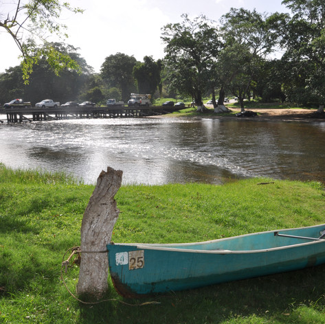 Canoe by the Macal