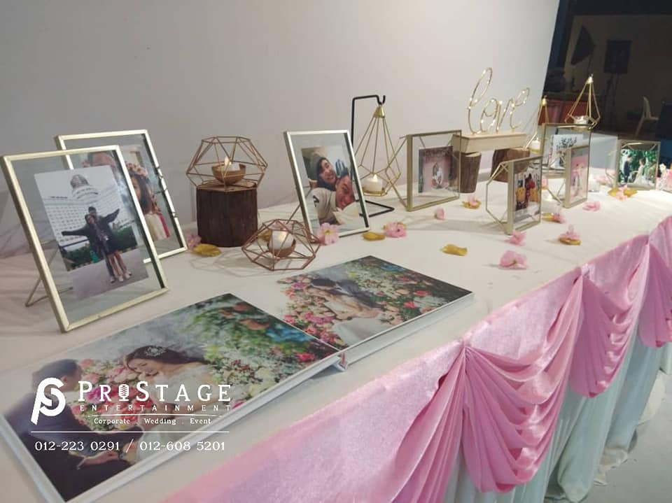 Pink White Photo Table