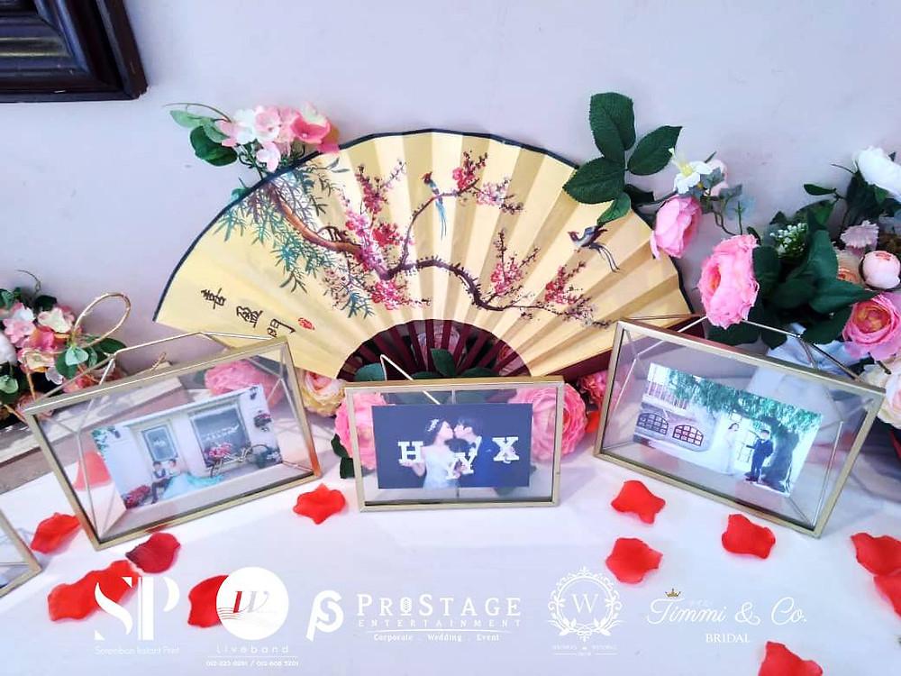 Traditional Photo Corner