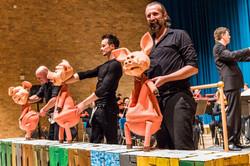 The Three Little Pigs - Theater Gnaffel / Cambridge Philharmonic