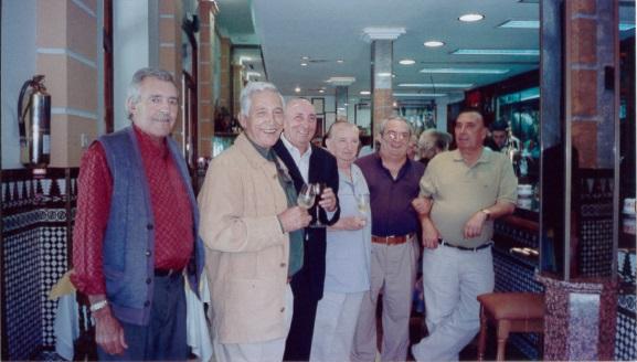 63. Restuarante El Cairo. De izq a der. Bejarano (el policía), P. Camino, Manolín Díaz, R. Chicuelo,