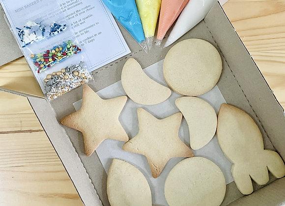 Mini Baker's Cookies Box: Space