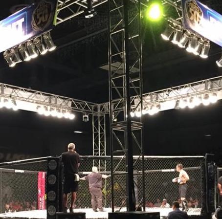 559 Fights lights shine on ladies again!