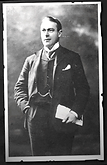 Andrews em seu retrato oficial do estaleiro Harland & Wolf