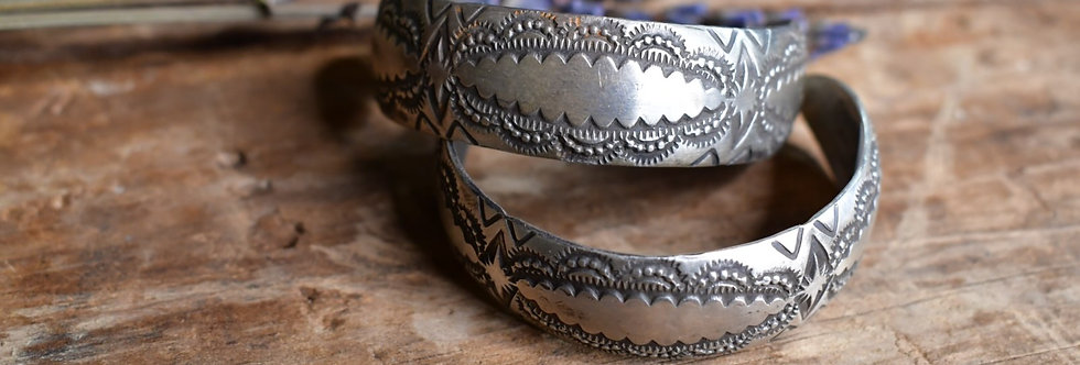SILVER & TOOLED HOOPS
