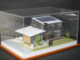 ホコリから建築模型を守るアクリルケース