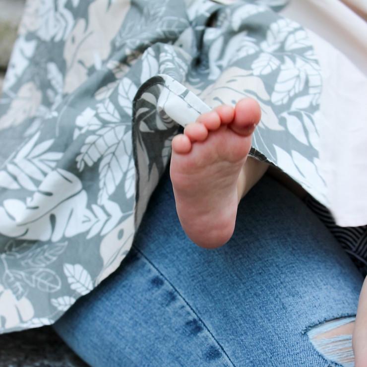 Best Nursing Cover For Breastfeeding In Public