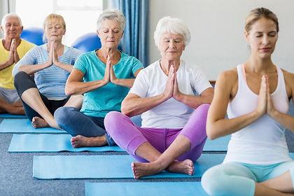 yoga-dlya-pozhilykh.jpg