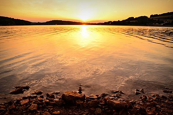 8- Coucher de soleil - Lac de Pannecière