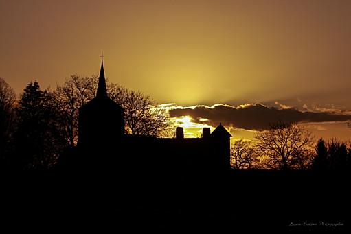 Coucher de soleil sur le Prieuré de Commagny