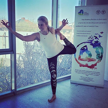 Last day of our course 🧘♀️_#yogastuden
