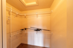 Bedroom 3 - walkin closet