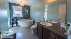 Updairs Bathroom 1
