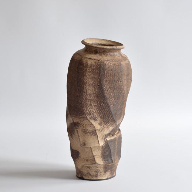 Faceted vase 2019
