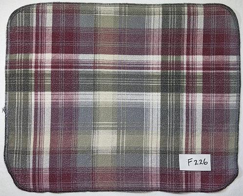 F226 - Roll of 32 towels