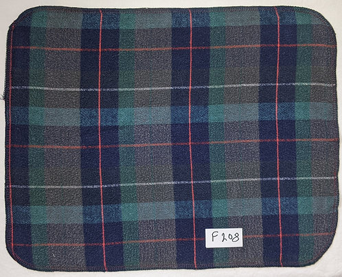 F208 - Roll of 32 towels