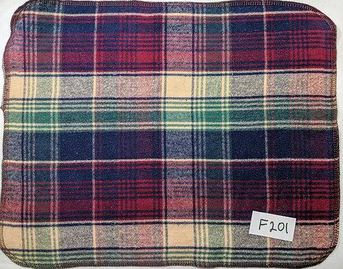 F201 - Roll of 32 Towels