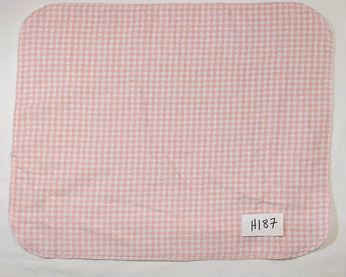 H187 - Roll of 16 towels