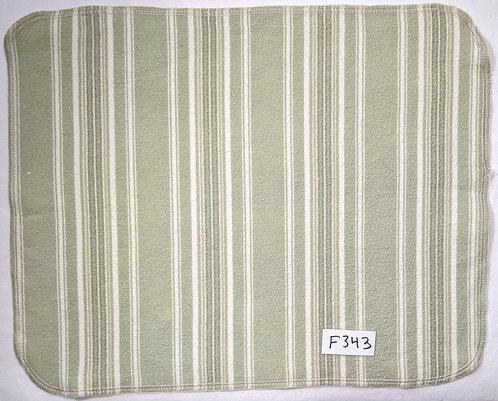 F343 - Roll of 32 towels