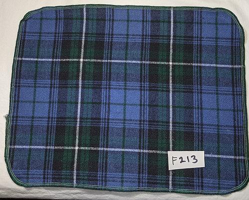 F213 - Roll of 32 towels