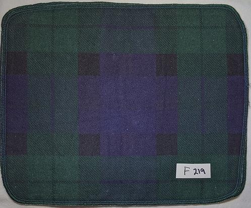 F219 - Roll of 32 towels
