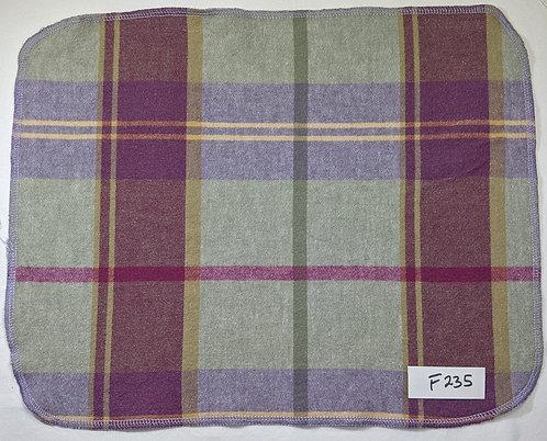F235 - Roll of 32 towels