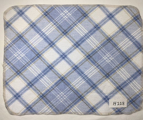 H228 - Roll of 16 towels