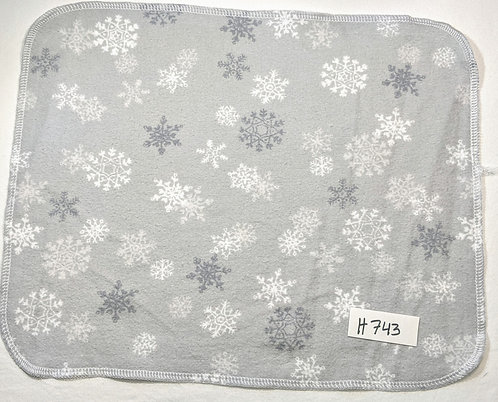 H743 - Roll of 16 towels
