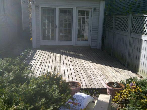 Low simple deck