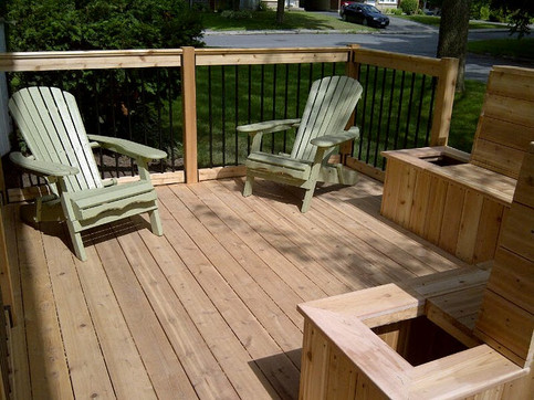 Low front yard deck