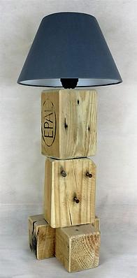 3 Nails Lamp