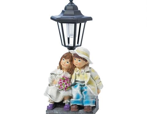 Couple With Solar Street Light Statue