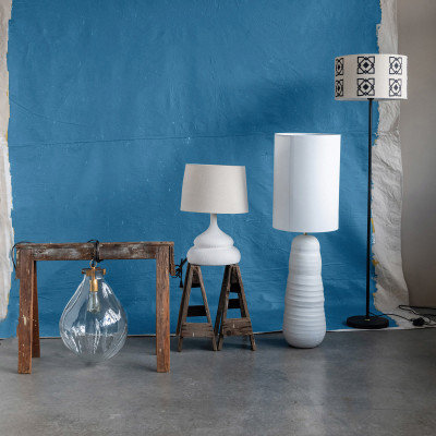 Classic  Off-White Terracotta Table Lamp w/ White Linen Shade
