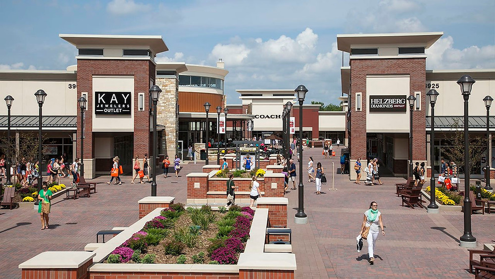 secrets behind outlet stores, outlet store scandal, discounts at outlet stores, the truth about outlet stores, fashion news, fashion scandals, fashion insider