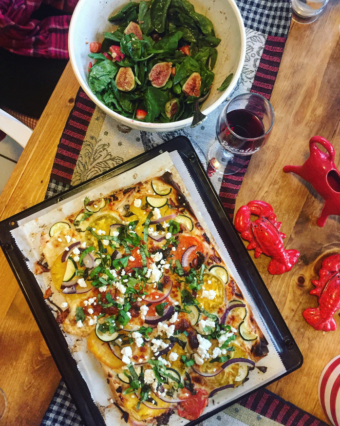 Girls' Weekend Recap: phyllo crust pizza, rosemary balsamic spinach salad & my fight with a