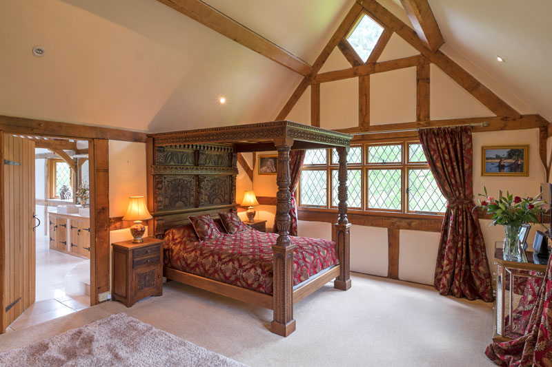 Four poster bed in a grand bedroom