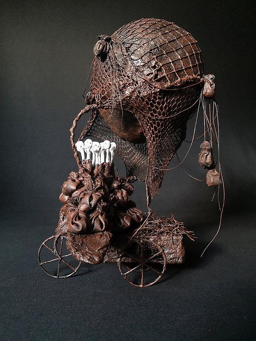 Catherine LEGRAND :  Montgolfièraviontricycle  -  Hauteur 32 cm