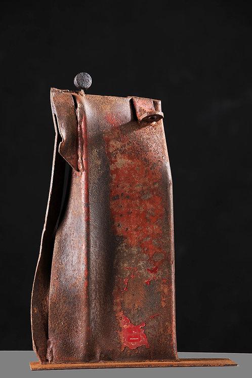 Catherine MAUCOURT : Silhouette rouge, réf. 16MS.  Hauteur 44cm.