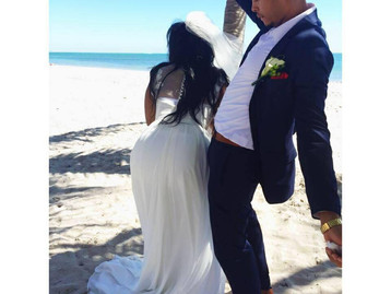 """That Day Was A Complete Disaster"" The Story Behind That Viral Wedding Photo"