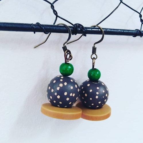 Boucles d'oreilles perles en bois et boutons