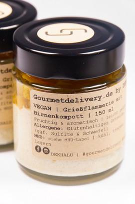 Grießflammerie mit Birnenkompott