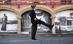 Leg stretches for skateboarding