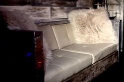 7Gate Media_Silver Studios - Sofa