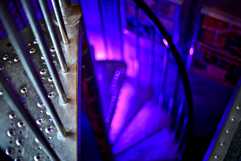 7Gate Media_Silver Studios - Spiral Staircase 2