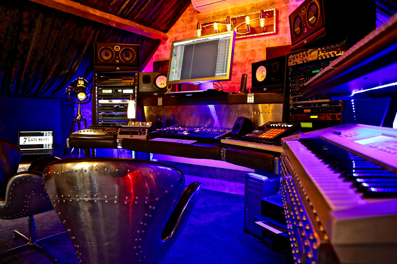 7Gate Media_Silver Studios - Studio1 side shot