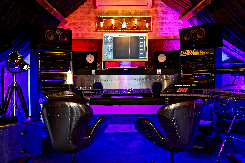 7Gate Media_Silver Studios -  Studio 1 Close up bay