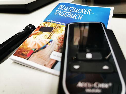 Blutzucker Tagebuch | Blutzucker Messung | messen | insulin Pen | Blutzuckermessgerät | Insulin