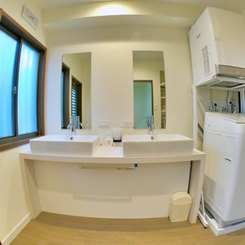 洗面台/全自動洗濯機/衣類乾燥機