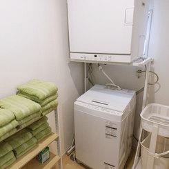 長期滞在には嬉しい洗濯機と衣類乾燥機をご用意