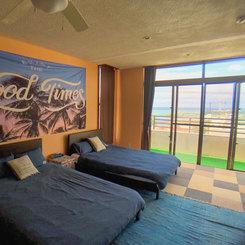 2階ベッドルーム(オーシャンビュー)